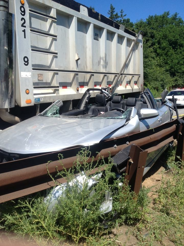 DUMP TRUCK VS. CAR WITH ONE TRAPPED ON I-476